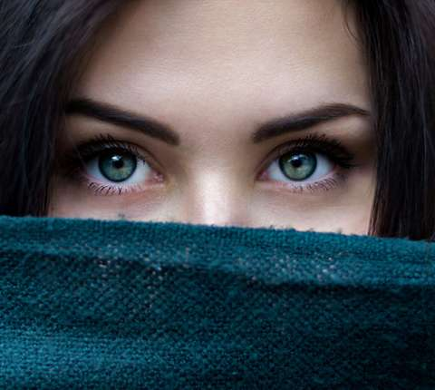 How to choose your eyebrow tattoo colour